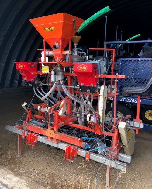 Used Hege 1000 plot seeder
